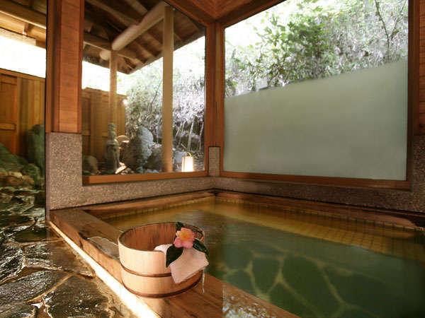 風呂は貸切での利用も可能です。