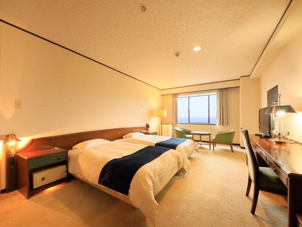 ベッドルームと和室が分かれており、3世代旅行でも安心。