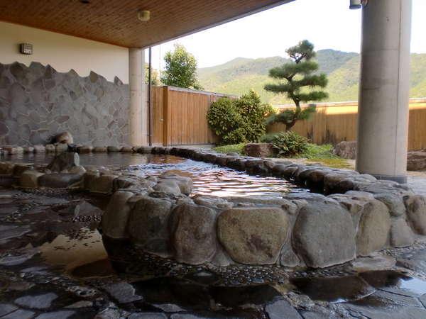 露天にある岩風呂