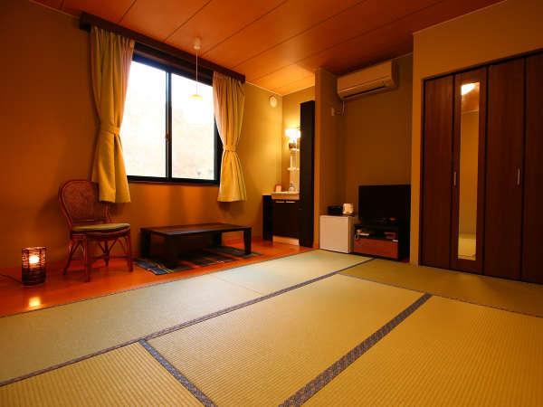 【山側客室】広々とした空間でごゆっくりとお寛ぎいただけます♪
