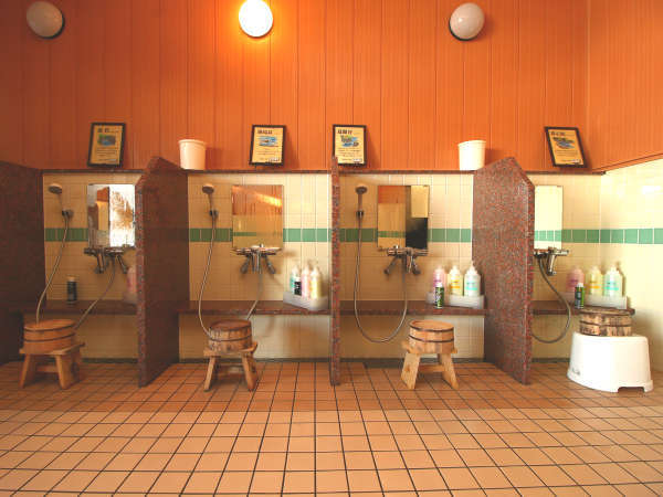 【男湯】洗い場は4つあります!