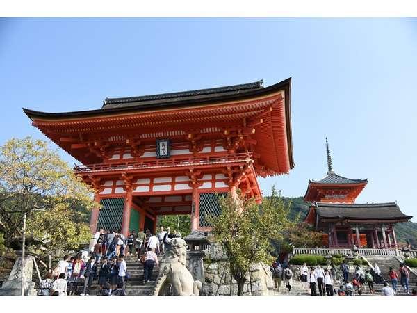 清水寺 八坂神社より徒歩10分ほどです。