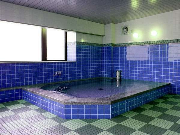 ★無料の大浴場付き!営業時間16:00~24:00