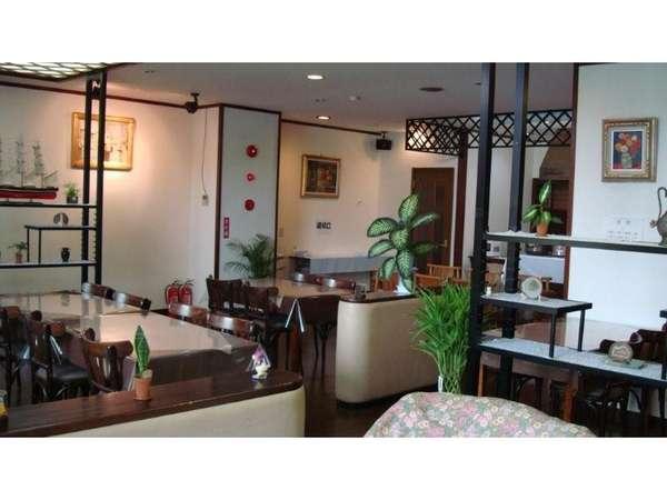 1Fにある食堂です。朝食はこちらでご用意させていただきます。
