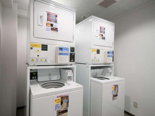 コインランドリーは3階にあります!洗濯100円乾燥30分100円、洗剤無料!!