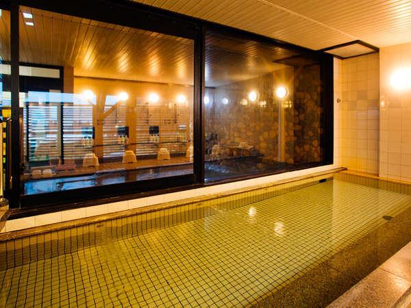 【大浴場-女湯-】 営業時間は AM11:30~翌朝AM9:00迄。「美人の湯」と謳われる名湯をのんびりと。