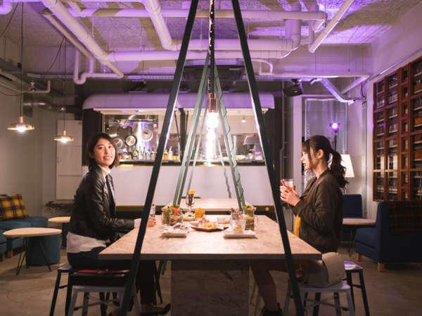 【Cafe】夜はライトアップが変わります