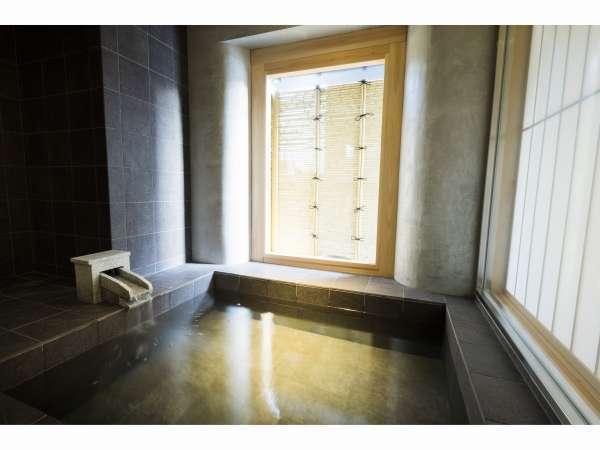 Room in Bath Twin【特別室には半露天風呂を設置。まるで温泉地に来たかのような旅情気分に。】