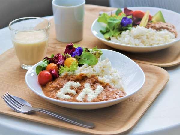 定番はENオリジナルカレー☆美と健康を取り入れた朝食「Salad&Soup Bar」