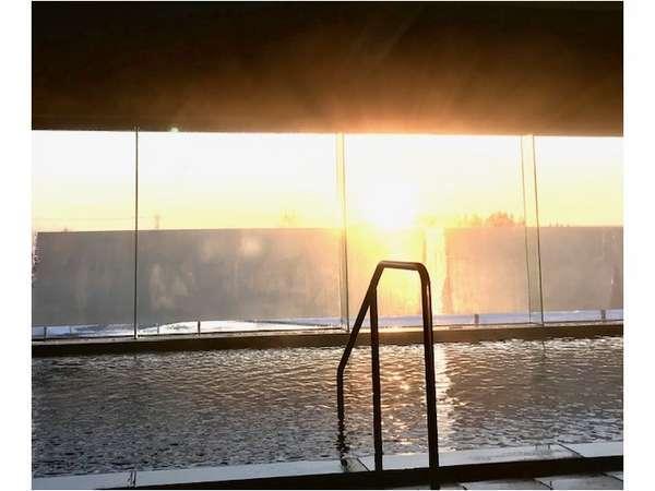 ☆朝日を浴びながらのご入浴はいかがでしょうか♪