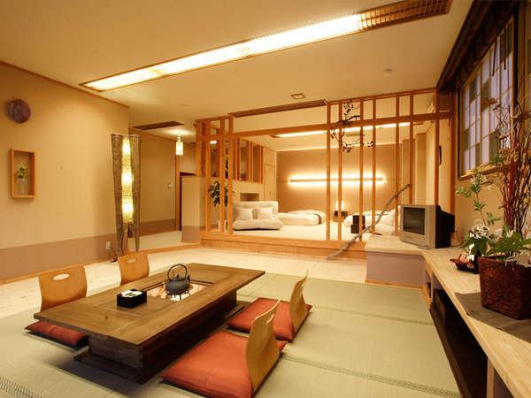 【展望風呂付特別室】紅葉音で最も贅沢な造りの、展望露天風呂付2間タイプの特別室。