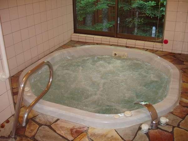 天然温泉のジャクジー風呂