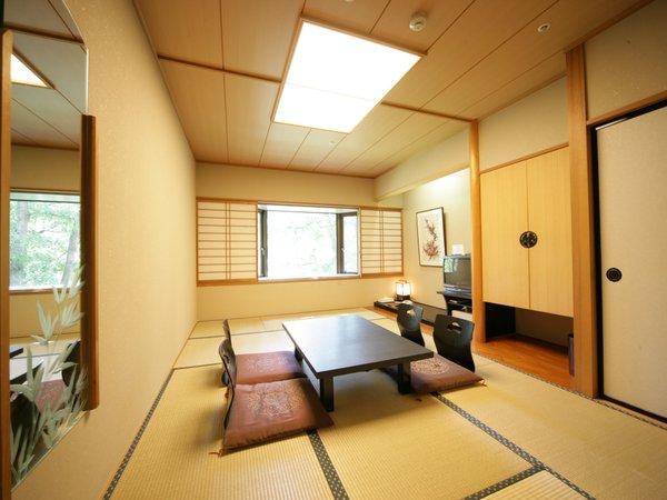 眼下には名取川の美しい渓谷が広がる和室タイプ7.5畳間