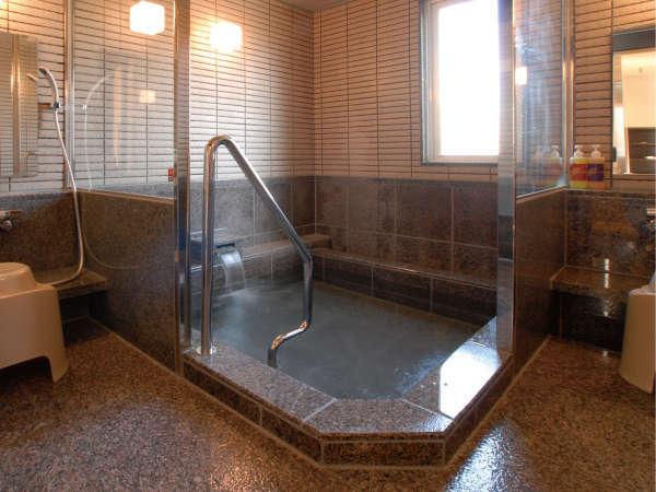 [男女別大浴場] ご利用時間 16:00~24:00、6:30~9:00 写真は女湯になります。