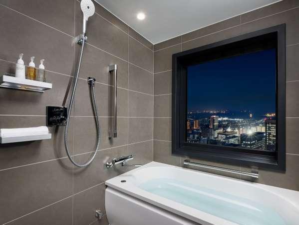 バスタブとレインシャワー完備のバスルーム(ツイン)