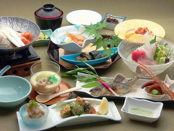 *長良会席 ~地元の旬の食材を活かした四季折々の料理をお楽しみください~
