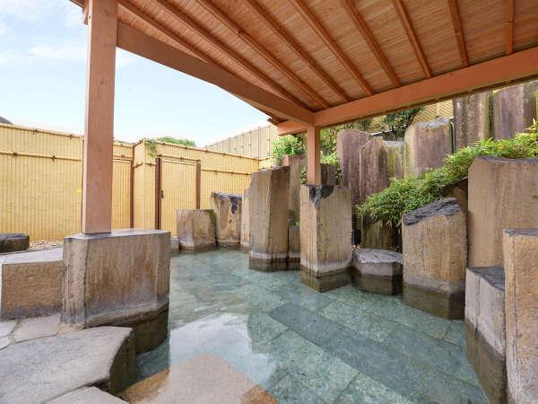 大浴場、露天風呂、ジャグジー、サウナなど… 種類豊富で、開放感と心地よさをお楽しみ頂けます