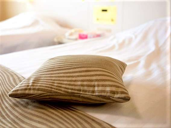 【客室一例】洋室ツイン シモンズ製のベッドで上質な眠りと目覚めを・・・