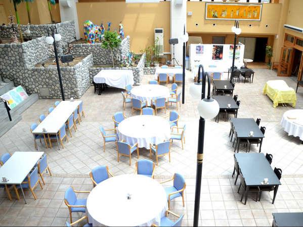 開放感あふれる「パティオ」は、レストランとしても使われています。