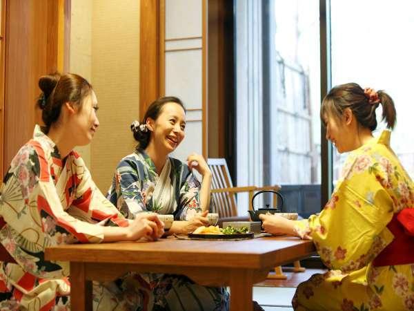 【客室】ご家族・ご友人とごゆるりとお寛ぎください/Enjoy your stay with us
