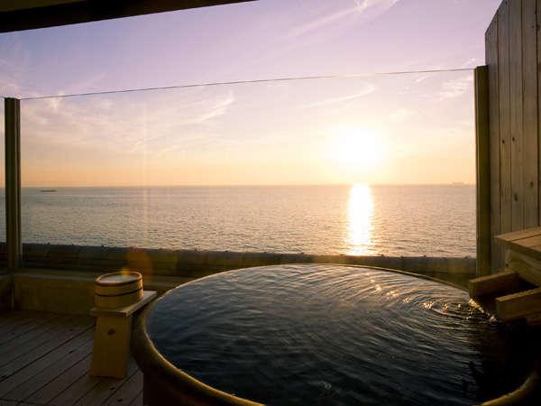 特別室Aタイプ    501号室露天風呂からの夕陽