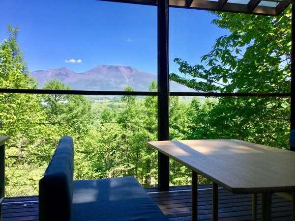 (オナーズヒル14)浅間山を望むテラス