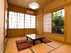 カップルや夫婦でのんびり出来る6畳のお部屋