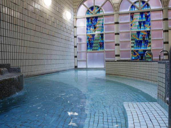 大浴場「リバティ」数種類の浴槽とサウナ完備