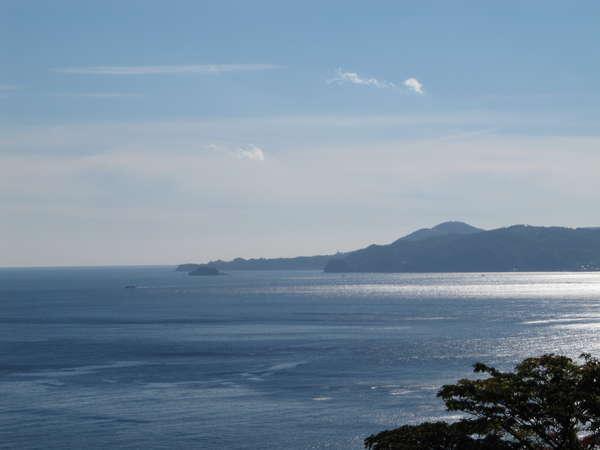 客室からの眺め 見渡す限り一面海 パノラマ5 川奈崎・小室山方面