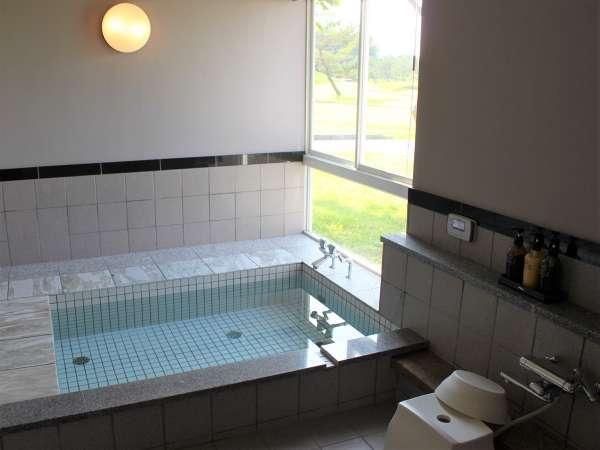 【セミスイートタイプ】独立浴室の一例です。洗い場は2つございます