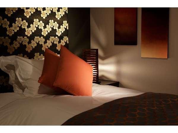 ベッドはスランバーランドグランドスイート ダブルクッション仕様を採用