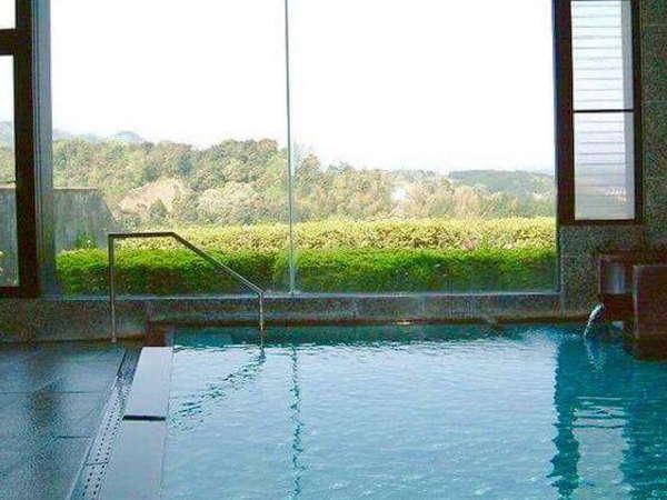 ラジウムラドン温泉で、蘇りの湯、鎮痛の湯と質の高いお湯です。
