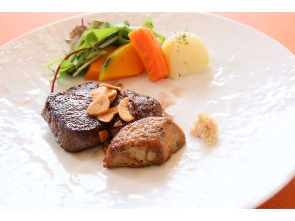 富良野特産の富良野和牛のステーキ。肉はA4,A5ランクを使用しています