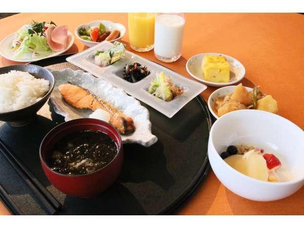 朝食は主にお膳の和定食となっています。