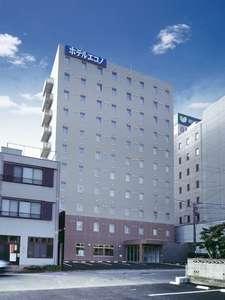 当館は津の駅前に位置し、どちらへお出かけさせるにも便利な立地となっております。