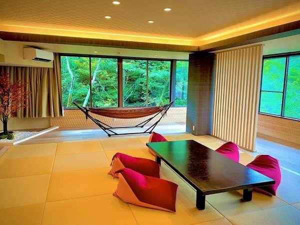 木の香り漂う部屋、モダンの香り漂う寝室、ヒノキの香り漂うヒノキ風呂