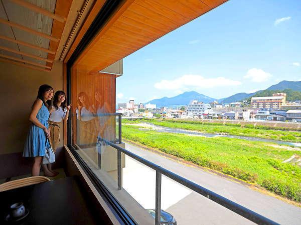 【お部屋からの眺望】信州の爽やかな青空や山々を大パノラマでご堪能ください☆彡