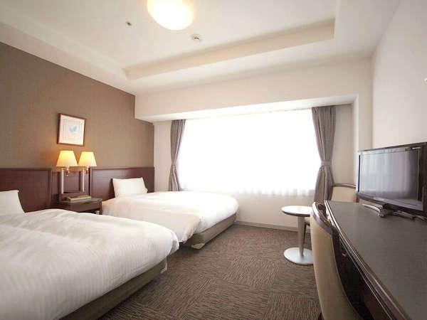 ツインスタンダード■120cm×2台のベッド。22平米。デュベスタイルの寝具