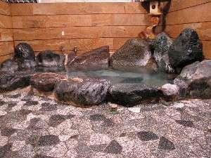 天然温泉岩風呂は内カギも掛けられます