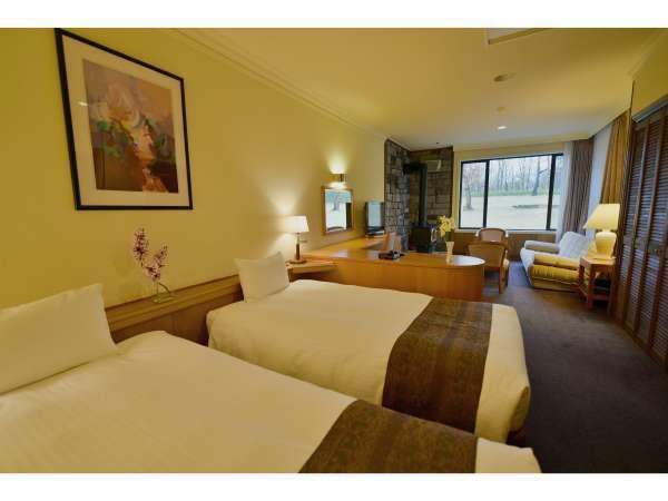 ジュニアスイートルーム 約55平米 メインベッドルームのお部屋です。サブルームとは独立したお部屋