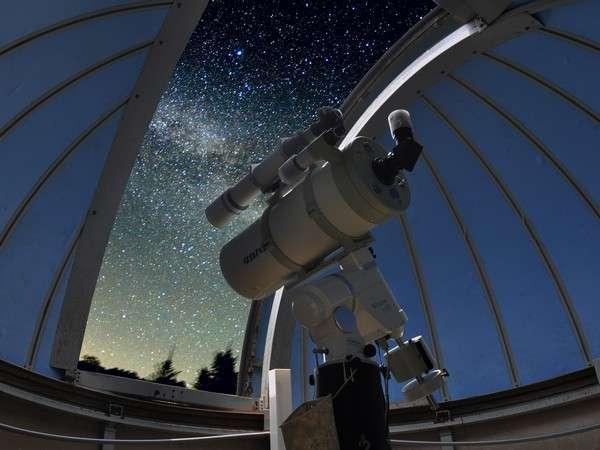 ★天体観測★自慢の専用天体望遠鏡を覗いて、肉眼では見えない細やかな星や星座をチェック♪