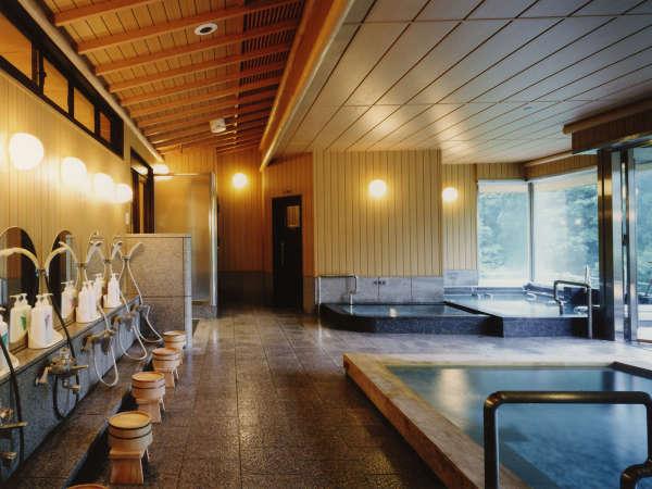 ◎【天然温泉大浴場】最上階に「8種の湯」を完備。飲泉をしてから、ごゆっくりと湯浴みをお楽しみ下さい。
