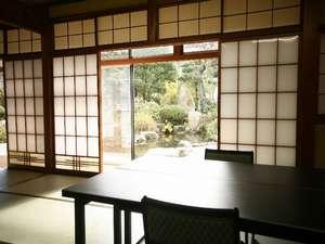 広間◆岩魚・山女・かじか◆ご家族やグループでお泊りの方で楽しくお食事していただけます。
