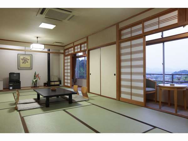 和室14畳の一例