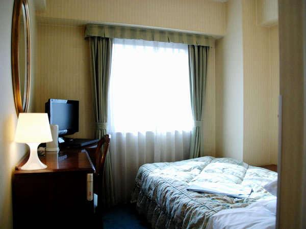 シングルA1100サイズのベッドでコンパクトなつくりです。