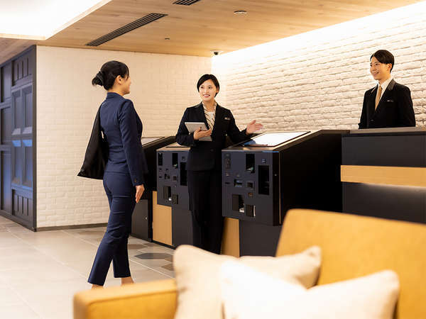 【施設】フロント・お客さまのご要望を伺いますのでお声がけください。