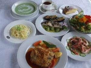 満腹の9品ディナー【料理一例】