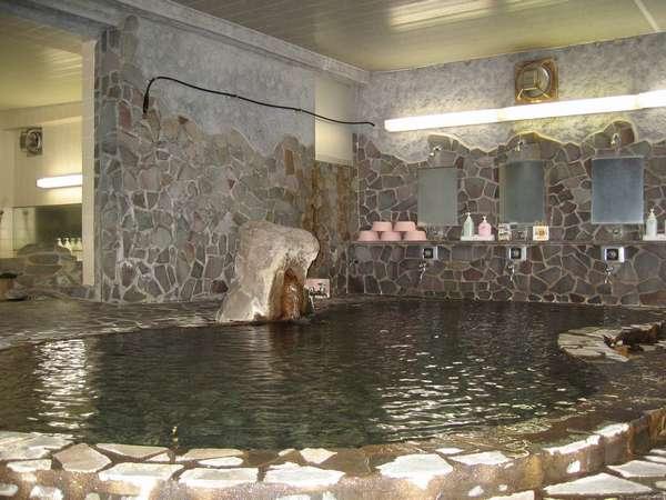 女性風呂 温泉岩風呂