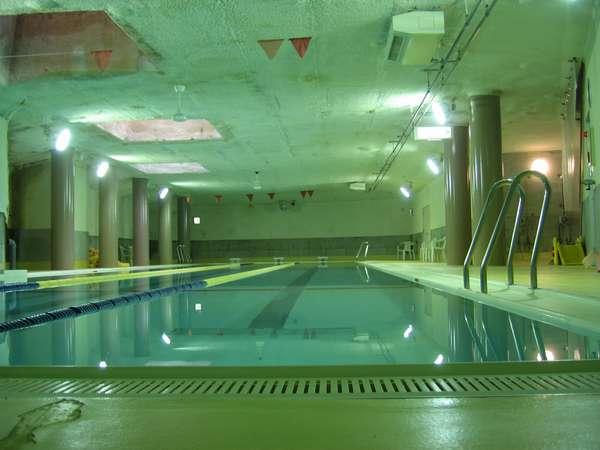 通年利用いただける温水プールです
