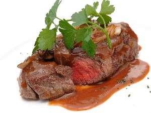 【福島牛A4ステーキ】ミディアムレアがおすすめ